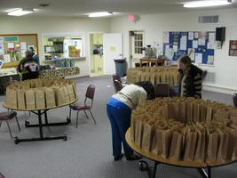 Volunteers Needed - Phoenix Rising Meal Program