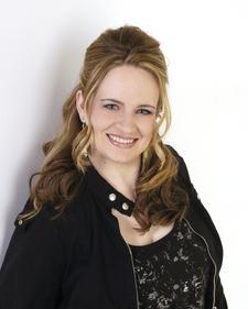 Anjanette Mickelsen, Elevate Investor Community logo