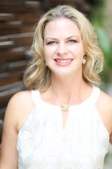 Annie Grewe, Executive Director with Beautycounter logo