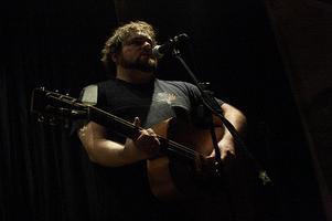 Chris T-T Sings Jeremy Clarkson To Sleep In Glasgow