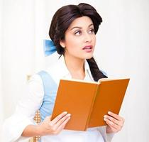 Story Time with Belle and Snow White!