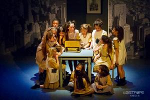 Annie Jr. (Hampton Hill Playhouse)