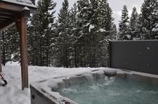 Mountain Hot Tub logo