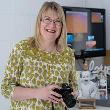 Jane Burkinshaw of Love Your Lens and Jane Burkinshaw Natural Light Photography.  logo