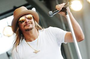 Kid Rock at First Midwest - Bus Trip