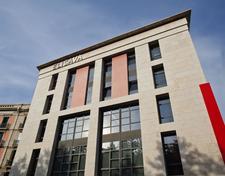 ELISAVA Escuela Universitaria de Diseño e Ingeniería de Barcelona logo