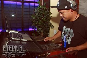 DJ RYNO mixing Top 40 & Dance. No cover. No dresscode.