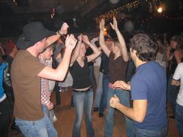 SPEED MEET SINGLES DANCE (couples welcome) ** 2 fer 1...