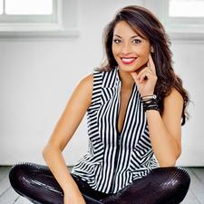 Zahrina Robertson - Leading #MAGNETIC BRANDING Influencer - Photographer, Author, Speaker, International Award Winning Business Woman,  logo