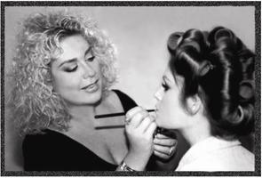 Simple Beauty: Featuring Celebrity Makeup Artist Lori...