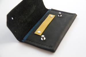 The Perfect Taster course: Leather cardholder/purse...