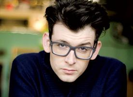 Moshe Kasher At the door