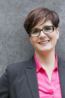 Dajana Hoffmann - socialmedia-hoffmann.de - Social Media Agentur für KMU logo