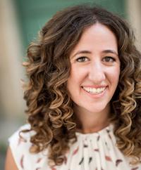 Daniela Uslan, Writing Teacher logo
