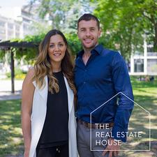 Jenna De Lisa & Gregg Pearce, Blue Elephant Realty logo