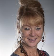 Sue Macmillan logo