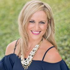 Christine Raspino Turner, Stella & Dot Executive Director & Founding Leader logo