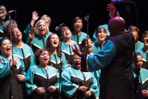 Oakland Interfaith Gospel Choir Ensemble (Early Show)...