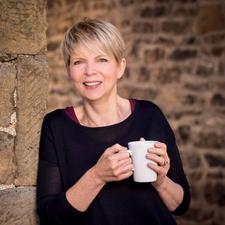 Lesley Barlow - A Fresh View  logo