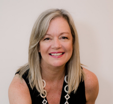 Kelley Connors, MPH, Coach & Consultant for Businesswomen logo