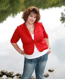 WicksnCandlesticks | Carla Lowery, Owner logo
