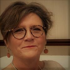 Laura Offermann, RN, LMT Transformational Life & Grief Coach logo