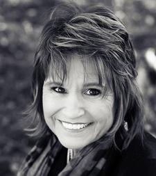 Debbie Wojciechowski - Evidential Medium logo
