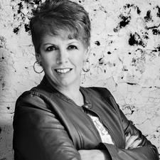 Cheryl Kaiser - Coach Speaker Photographer  logo