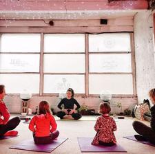 Yogi Life with Sara Lucarelli logo