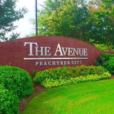 The Avenue Peachtree City logo