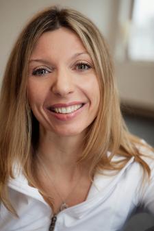 School of Happiness - Laura Warf, kinésiologue, entraineure, professeure de yoga logo