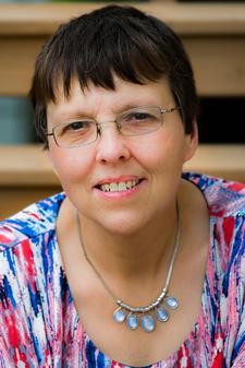 Dr. Christine Sauer - The Health Lady! logo