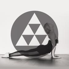 NAVAWELL logo