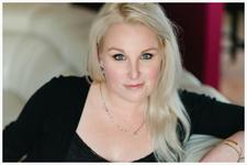 Shawnassie-Lynn Galesloot-Bourgoin  of Loving Her Life logo