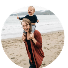 Heidi Hill - Mindfulness Instructor & Social Entrepreneur: Founder of LifeInFullBloom.com and The Bloom Circles logo