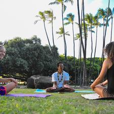 Yoga Love Mana logo