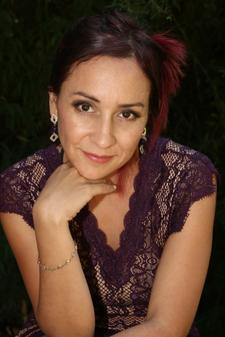 Ivania Gutierrez logo