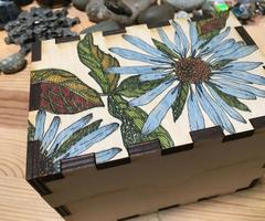 Women Laser Cutting: personalized wooden box