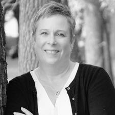 Carmen Kampman | Founder of LEAD Women logo