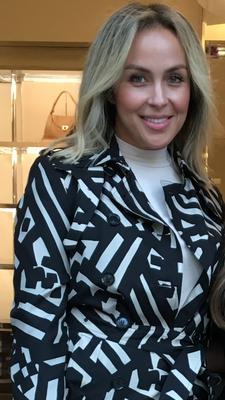 Jennifer Orellana logo