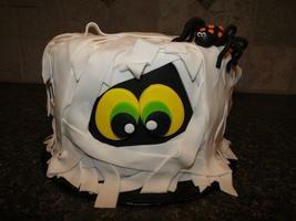 Kids Class: Mummy Cake Decorating