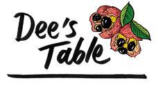 Dee's Table  logo
