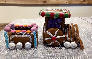Family Gingerbread Train Build & Decorate