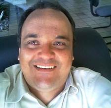 Renato Rocha logo