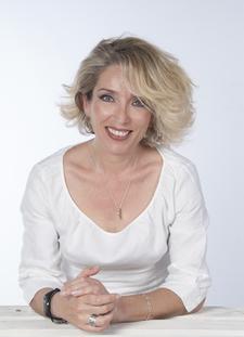 Simona Candelora logo