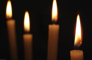 All is Calm, All is Bright: Christmas Eve Candlelight...