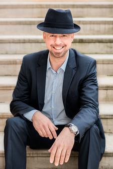 Jan Eßwein - Der Experte für Achtsamkeit  logo