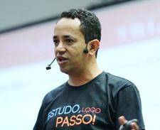 Marcos Pacco logo