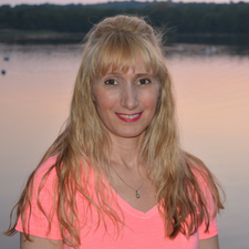 Wendie Ralphs - Counsellor, Life Coach & Energy Healer logo