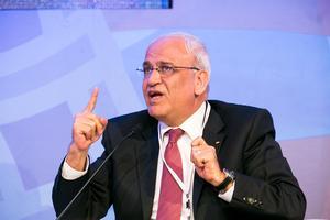 Al Jazeera 'Head to Head' with Saeb Erekat